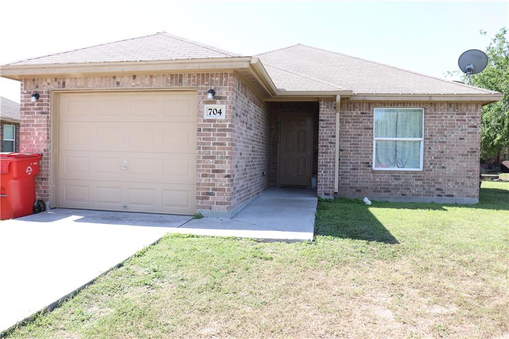 704 North View Ct, Robstown, TX 78380