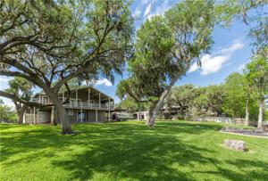 206 Freeman Circ, George West, TX 78022