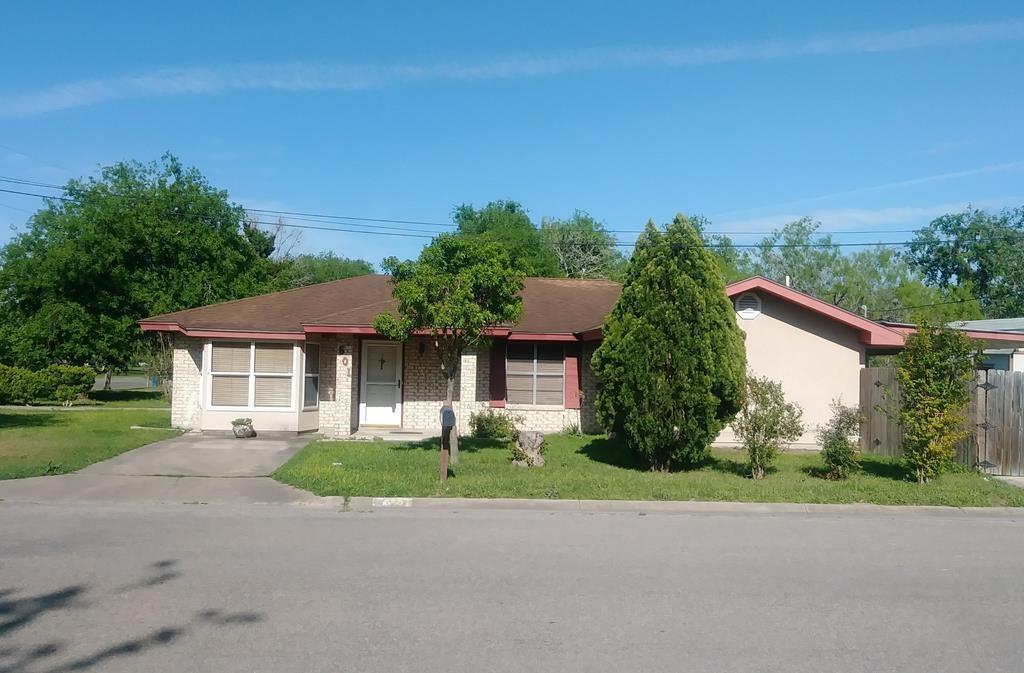 601 S Quinn, Beeville, TX 78102
