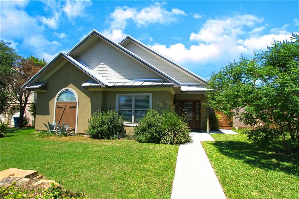 1002 W Bayview Blvd, Portland, TX 78374