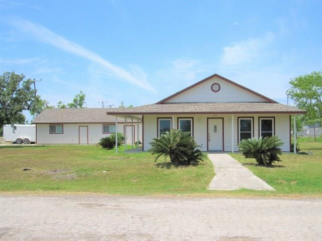 503 First St, Bayside, TX 78340