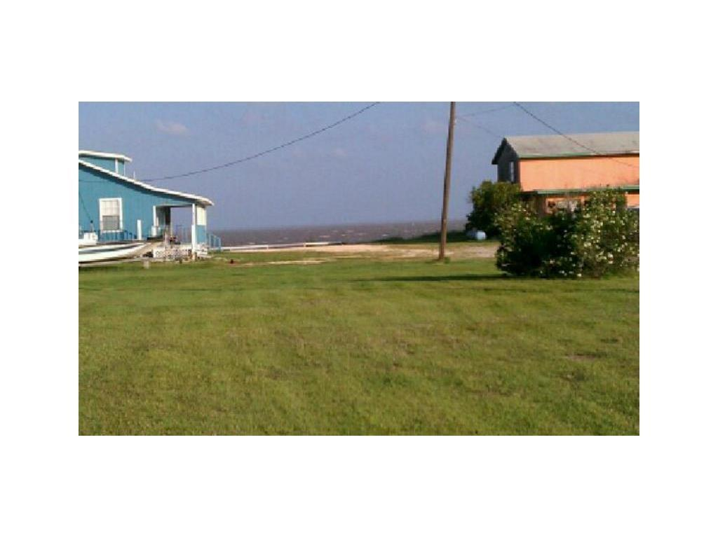 1806 First St, Bayside, TX 78340