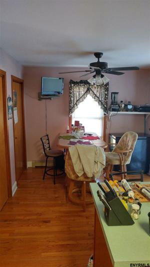 902 Blodgett Hill Rd, Ravena, NY 12143