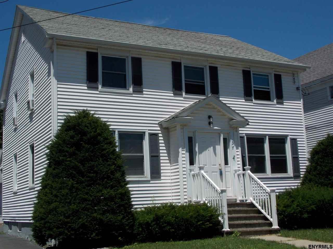 37 Sycamore St, Albany, NY 12208