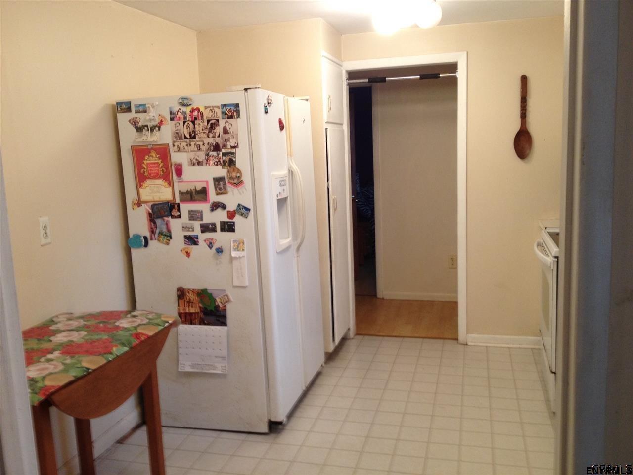 22 Cross St, Guilderland, NY 12203