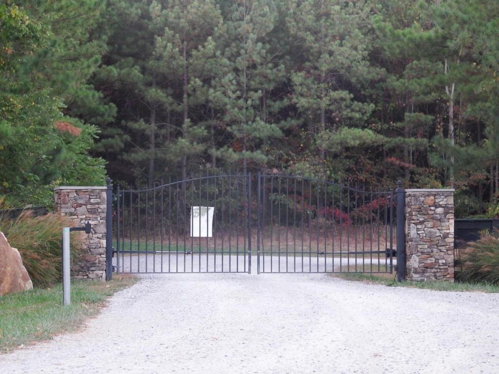 3 Walden Farms Rd, Signal Mountain, TN 37377
