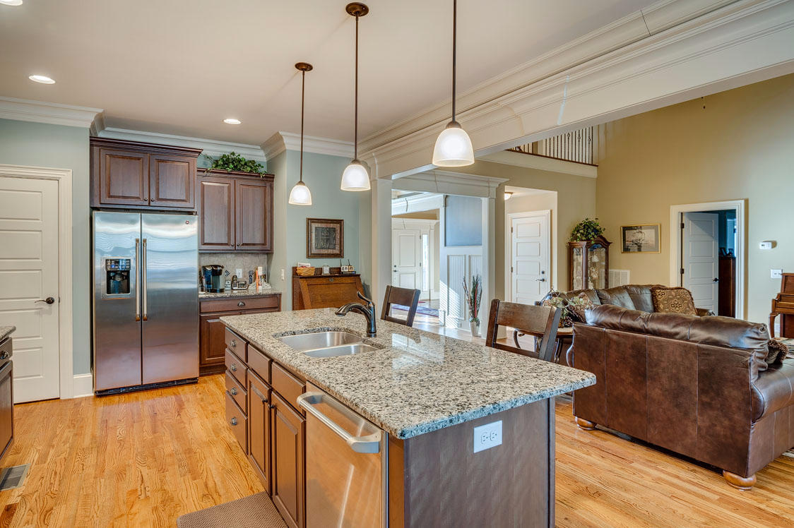 7621 Peppertree Dr, Ooltewah, TN 37363