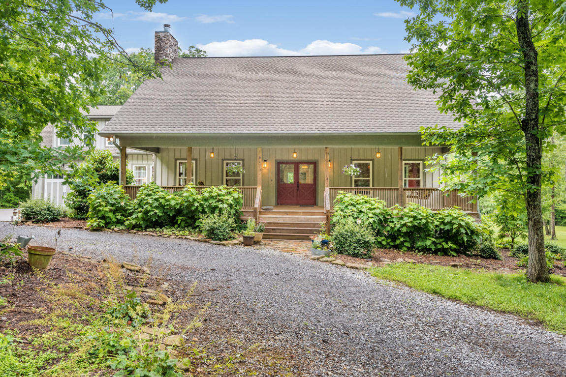 2690 Brenon Wood Ln, Signal Mountain, TN 37377