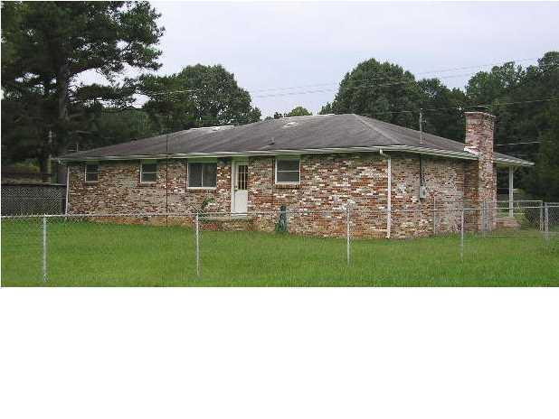 28 Steele Rd, Rossville, GA 30741