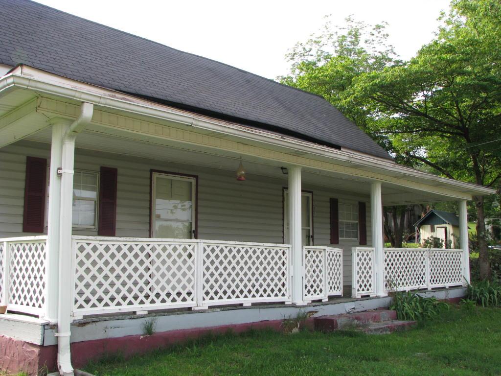 705 S Main St, Whitwell, TN 37397