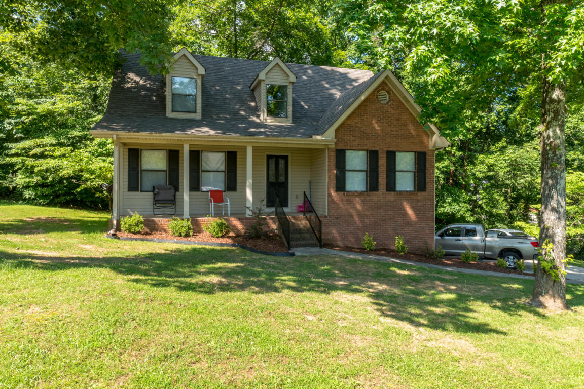110 Valley Breeze Dr, Rossville, GA 30741