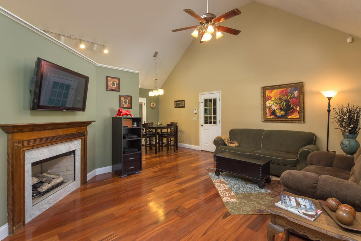 335 Middle View Dr, Ringgold, GA 30736