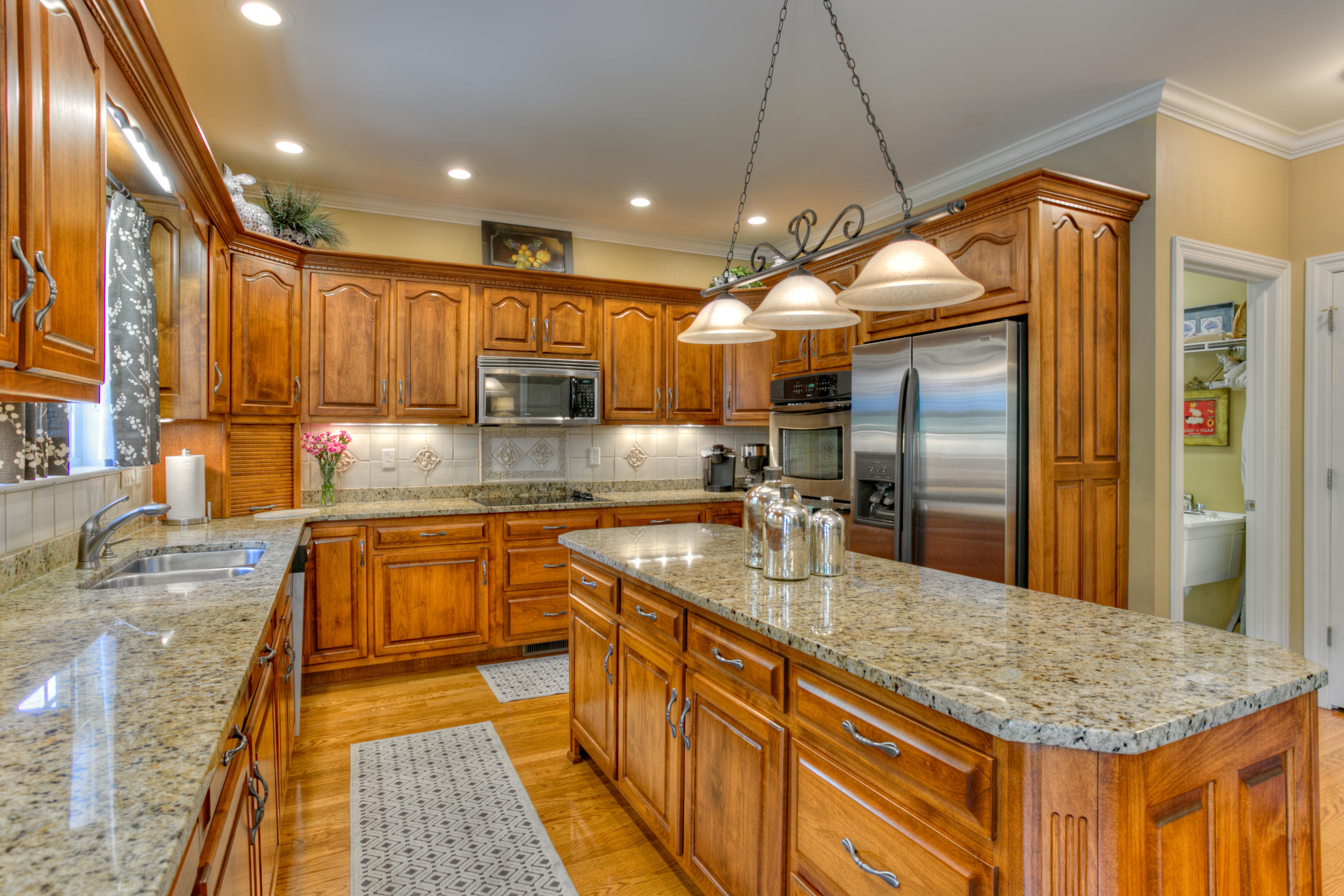 863 Ivy Manor Ct, Hixson, TN 37343