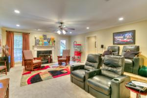 863 Ivy Manor Ct, Hixson, TN 37343