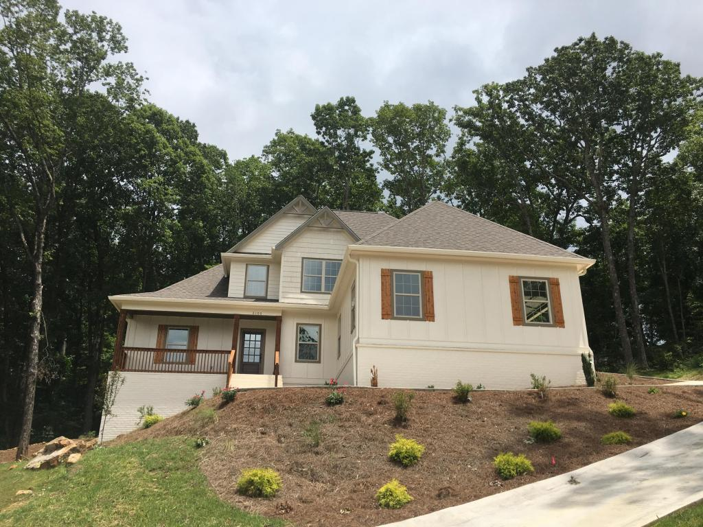 2100 Silver Springs Dr, Signal Mountain, TN 37377