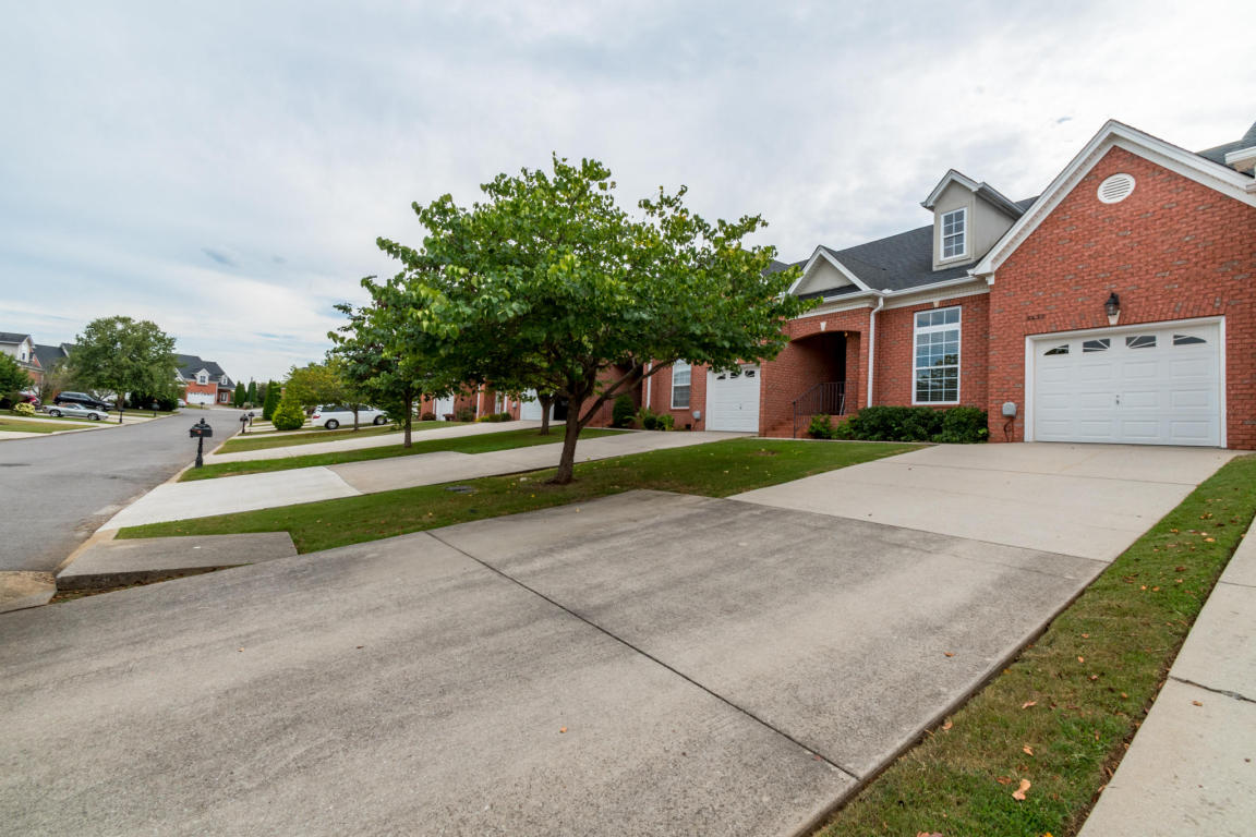 8230 Double Eagle Ct, Ooltewah, TN 37363