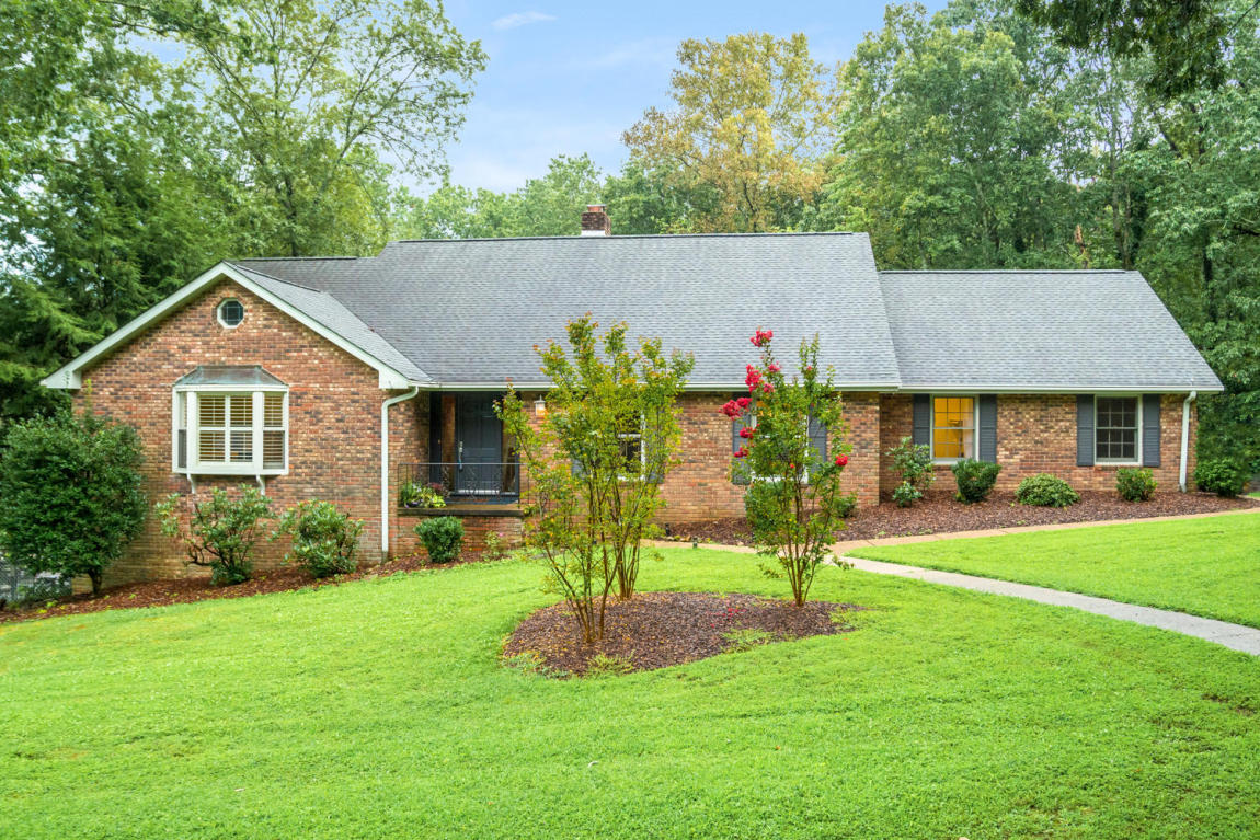 510 Barrington Rd, Signal Mountain, TN 37377