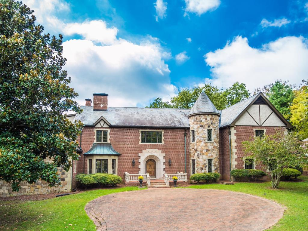 412 East And West Rd, Lookout Mountain, TN 37350