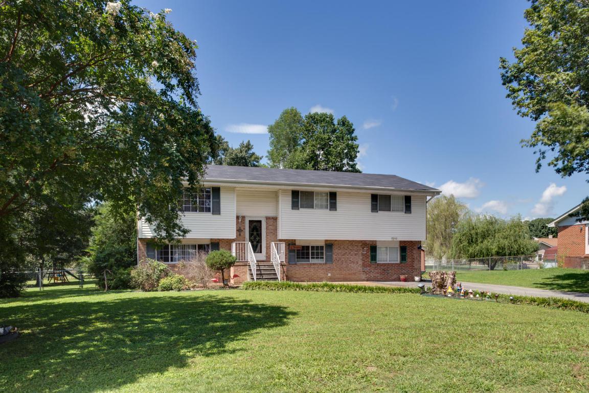 8 Pinewood Dr, Fort Oglethorpe, GA 30742