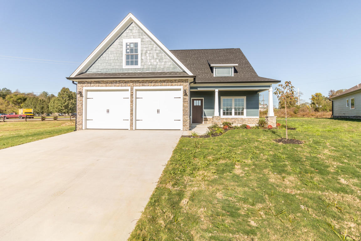 25 Browning Dr, Rossville, GA 30741