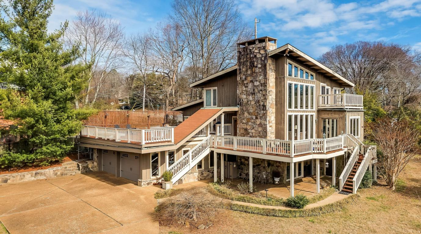507 Scenic Highway, Lookout Mountain, TN 37350