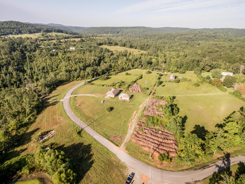 314 & 316 Rock Creek Rd, Lookout Mountain, GA 30750