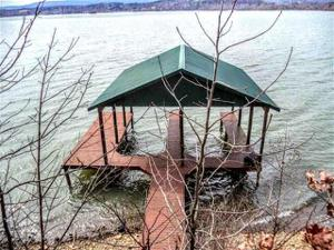 200 Holiday Point Dr, Spring City, TN 37381