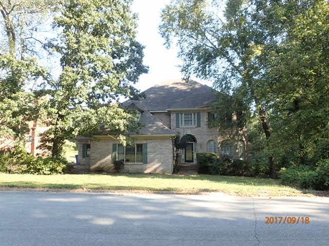 2003 Riverwood Dr, Hixson, TN 37343