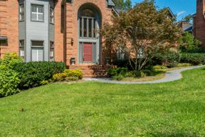 38 Cool Spring Rd, Signal Mountain, TN 37377