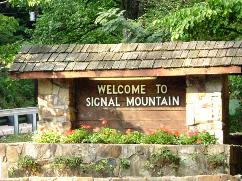 601 Marr Drive Dr, Signal Mountain, TN 37377