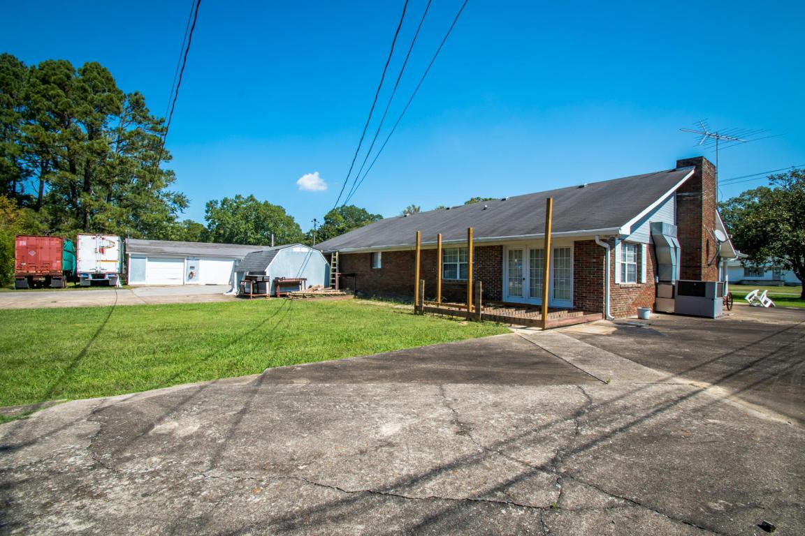 323 Prater Rd, Rossville, GA 30741