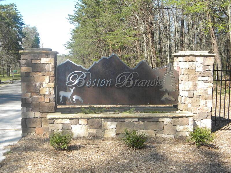 2649 Boston Branch Cir, Signal Mountain, TN 37377