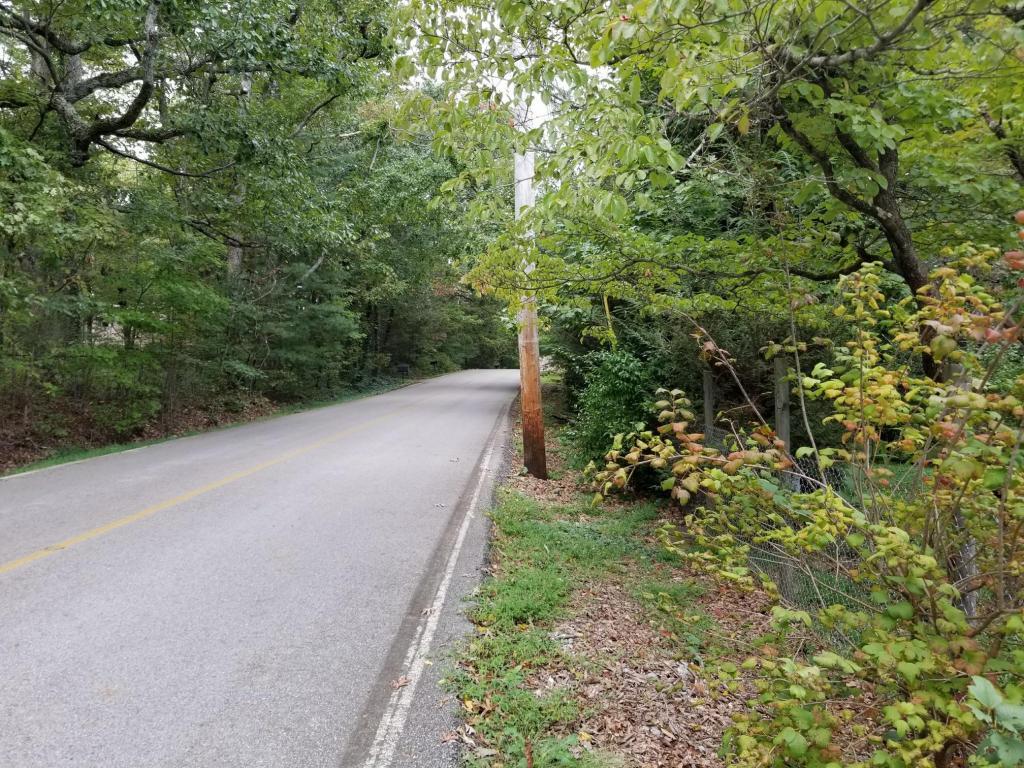 5000 Sawyer Road Rd, Signal Mountain, TN 37377