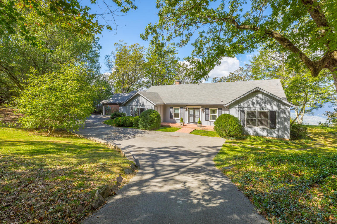 254 Frontier Bluff Rd, Lookout Mountain, GA 30750