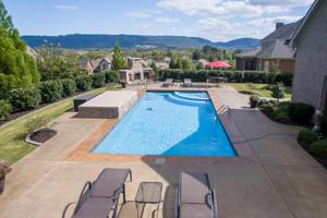 8055 Chinkapin Ct, Ooltewah, TN 37363