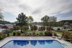 7530 Twisting Creek Ln, Ooltewah, TN 37363