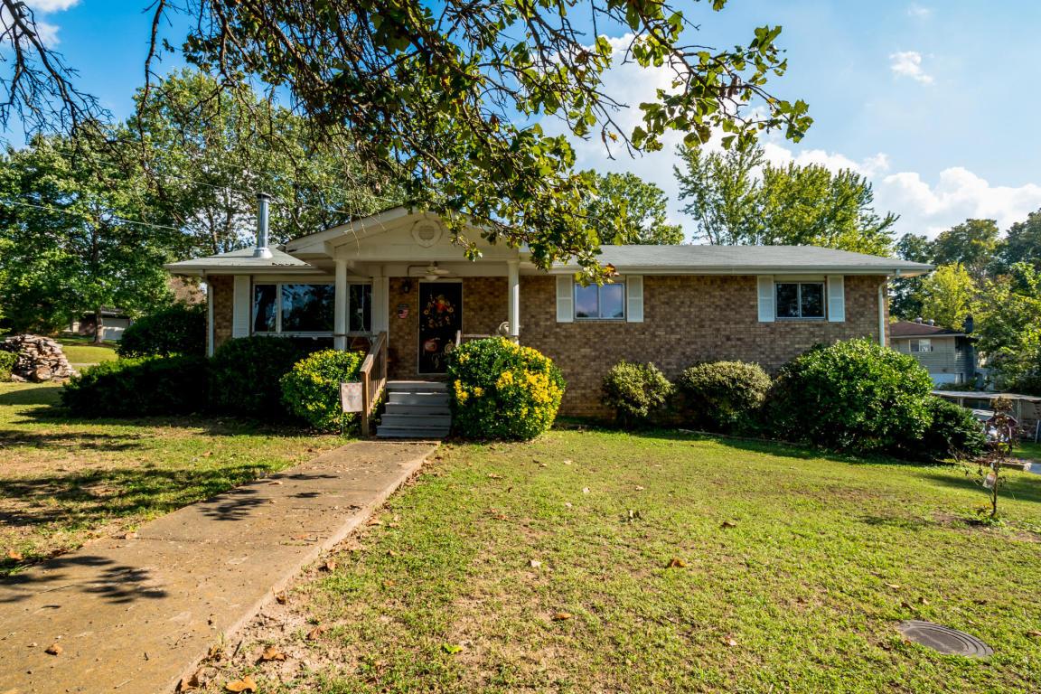 44 Crabtree Rd, Rossville, GA 30741