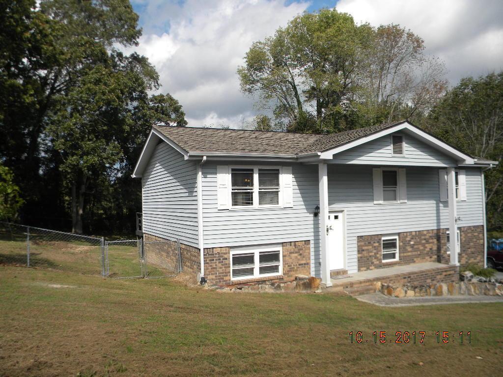 120 Brenda Ln, Chickamauga, GA 30707