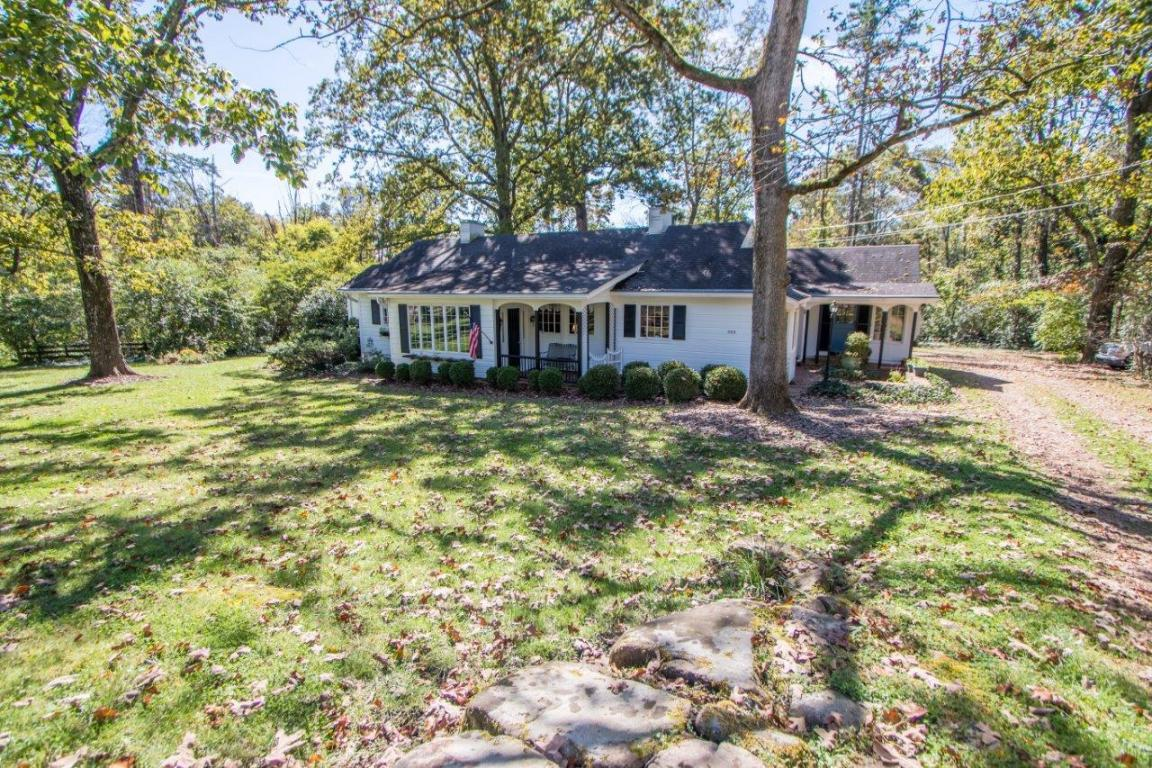303 Laurel St, Signal Mountain, TN 37377