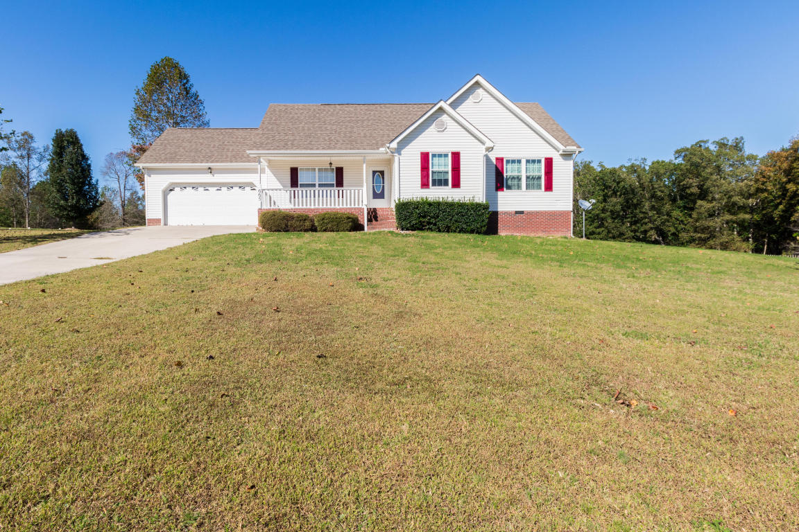 665 Van Dell Dr, Rock Spring, GA 30739