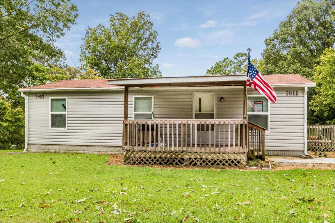 3911 Rhinehart Rd, Ooltewah, TN 37363