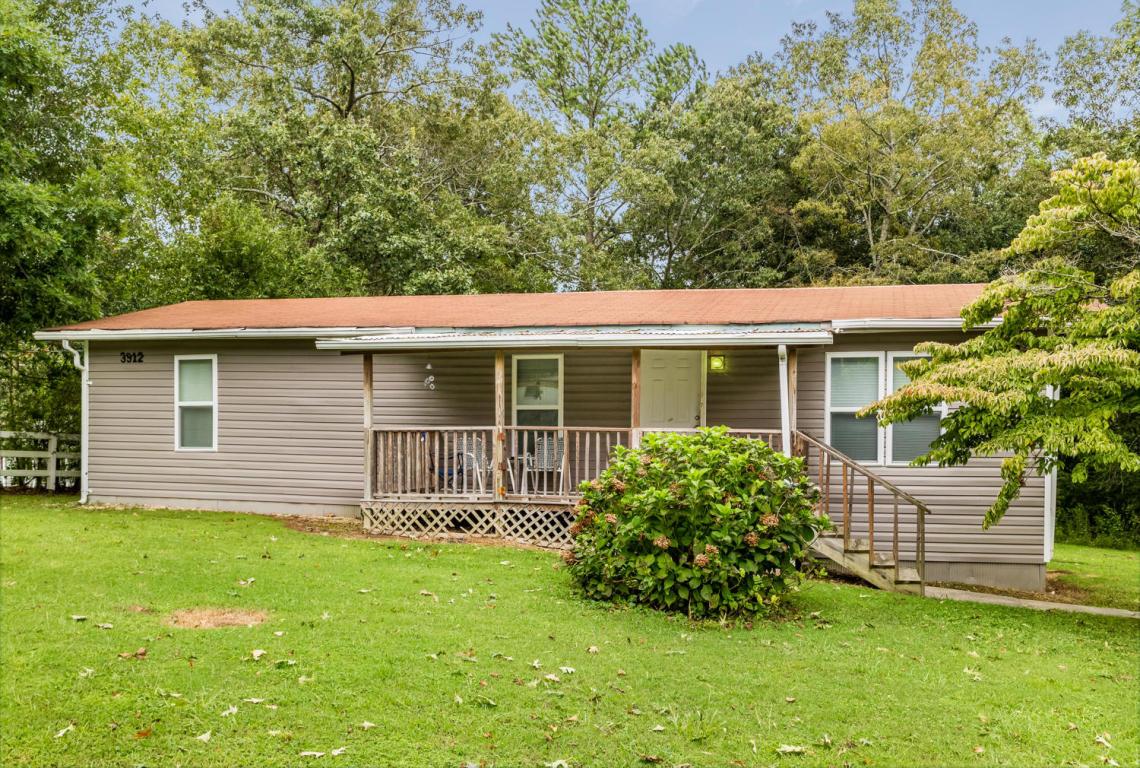 3912 Rhinehart Rd, Ooltewah, TN 37363