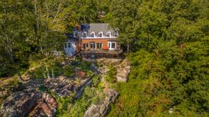 237 Gnome Tr, Lookout Mountain, GA 30750