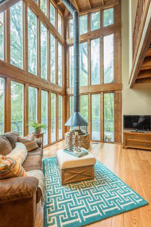 206 Oak St, Lookout Mountain, TN 37350