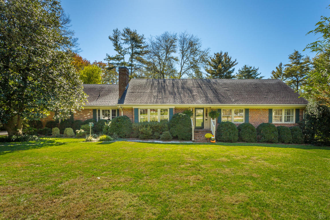 305 Marvin Ln, Lookout Mountain, GA 30750