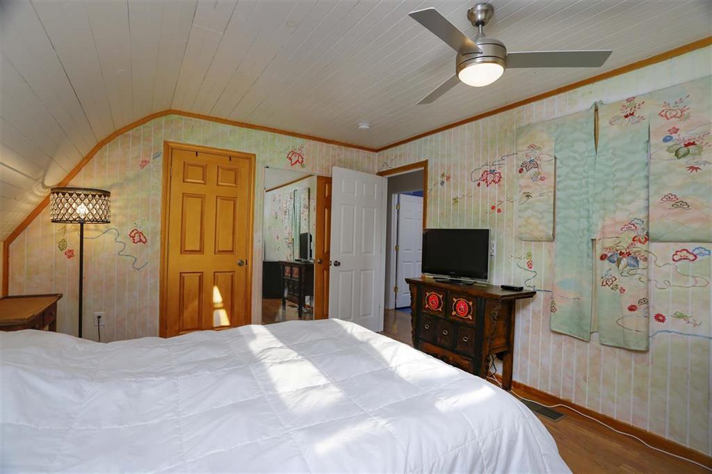 660 Price Rd, Spring City, TN 37381