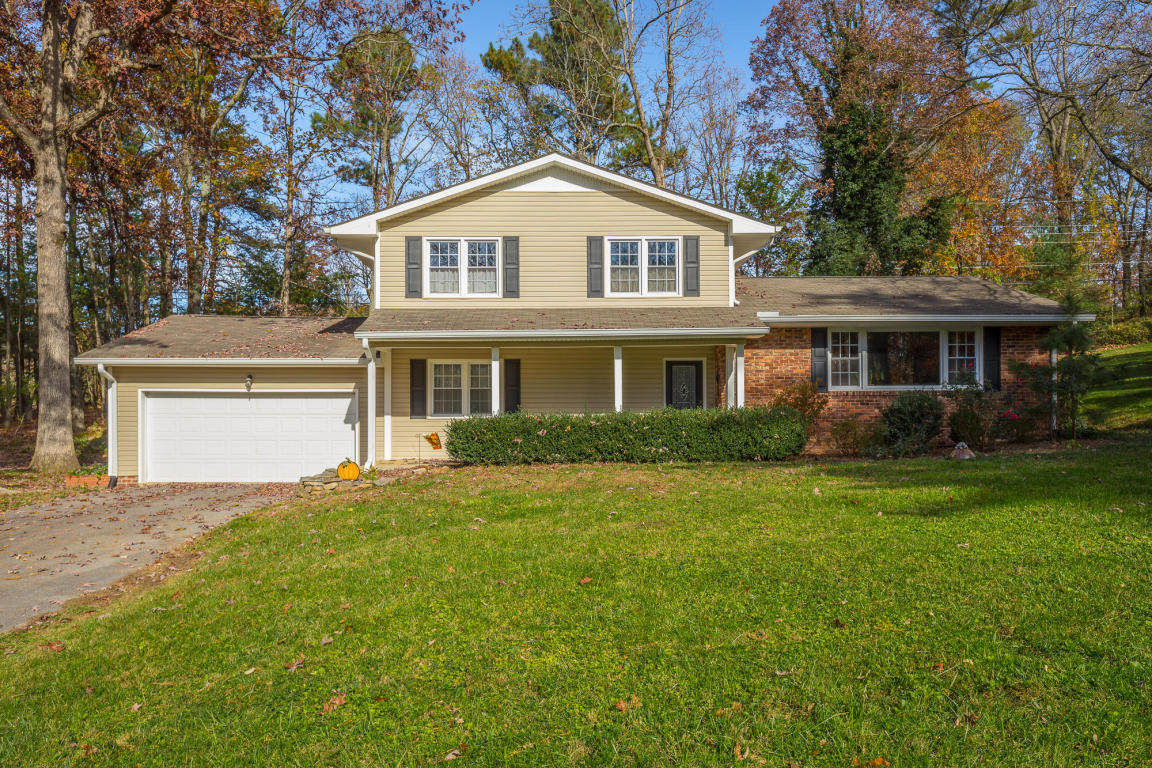 205 Inverness Dr, Signal Mountain, TN 37377