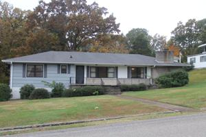 5601 Crest View Dr, Hixson, TN 37343