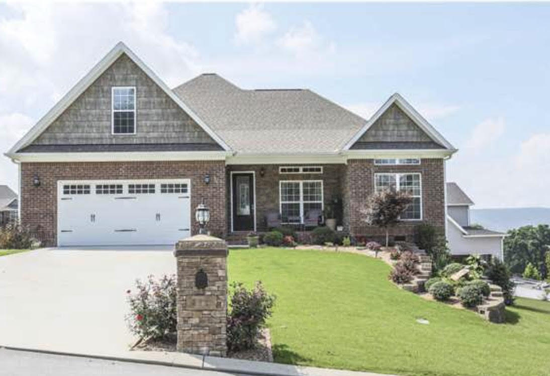 610 Sunset Valley Dr, Soddy Daisy, TN 37379