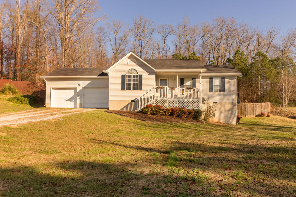 1077 Dogwood Dr, Tunnel Hill, GA 30755